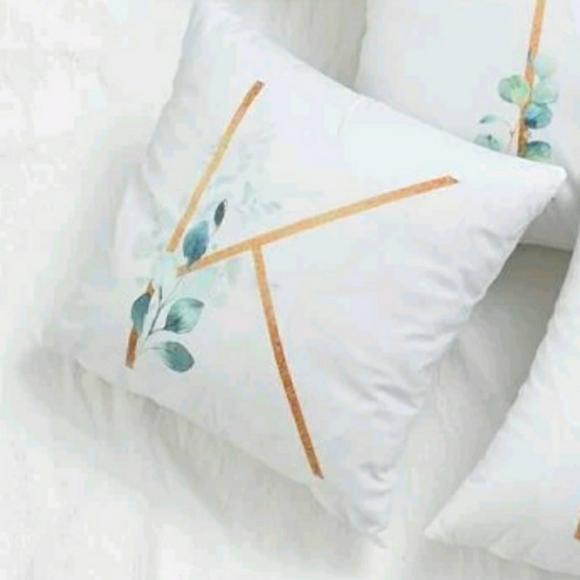 💙Buttery Soft Letter K Floral Pillow Case